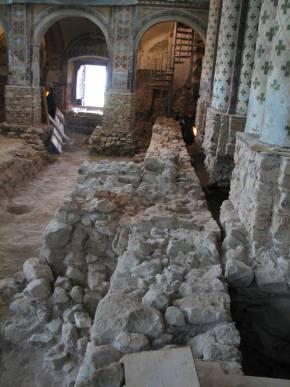 6. sz. fotó: A középkori templom falmaradványa (Babos R.)