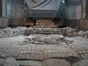 l5. sz. fotó: A középkori templom téglaburkoata (Babos R.)